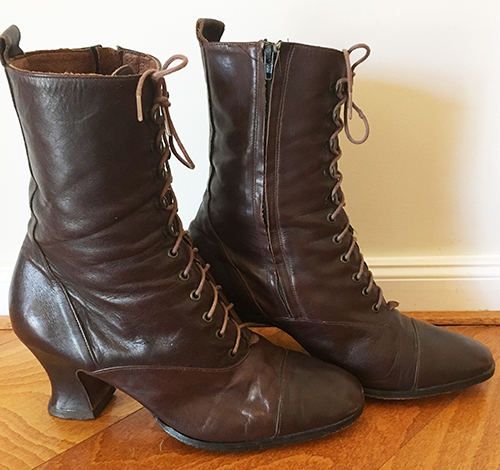 5523fbcb5400 Vintage 90s Jane Debster Size 7.5B brown leather Victorian-style Boots
